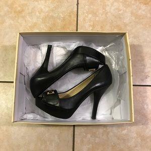 Michael Kors Classic Platform Leather Heels 7 1/2